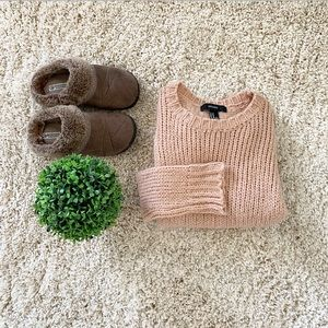 🆕 Forever 21 Light pink cable knit sweater